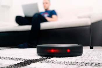 Imagen de un robot aspirador con WiFi