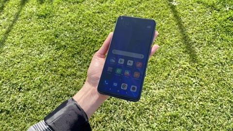Redmi Note 9 pantalla luz solar