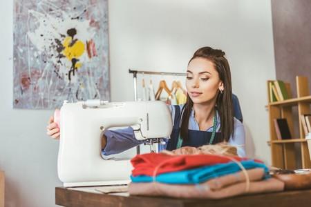 máquina de coser costurera