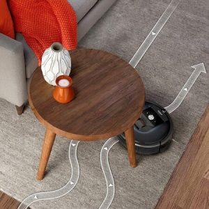 iRobot Roomba 981 limpiando alfombra